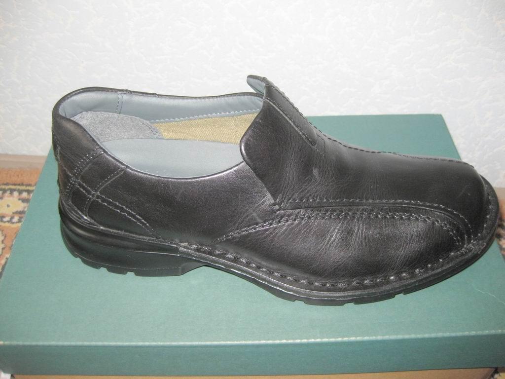 Продам новые кожаные туфли Clarks Escalade