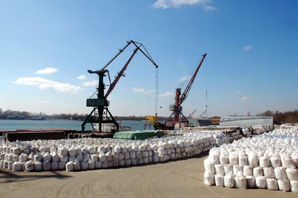 Перевалка грузов в портах Азов,Таганрог,Ростов-на-Дону.