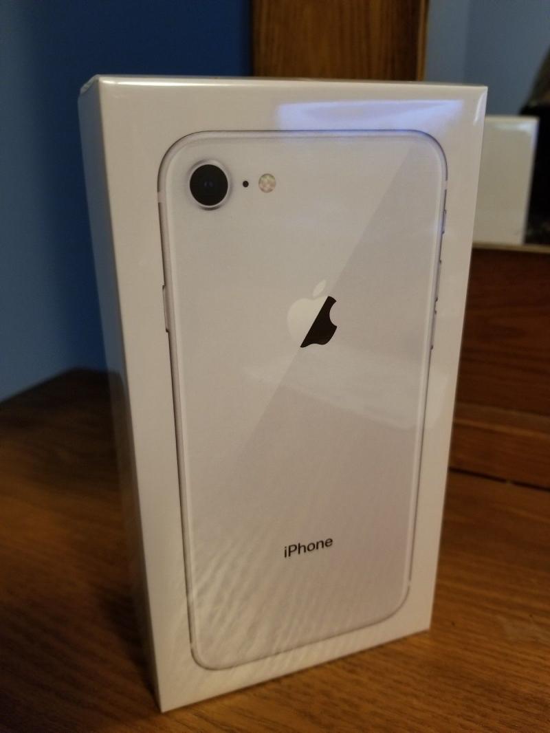Новый Apple iPhone 8 - 256 ГБ - Открыт серебряный завод