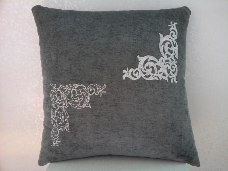 Подушка с вышивкой Узоры1