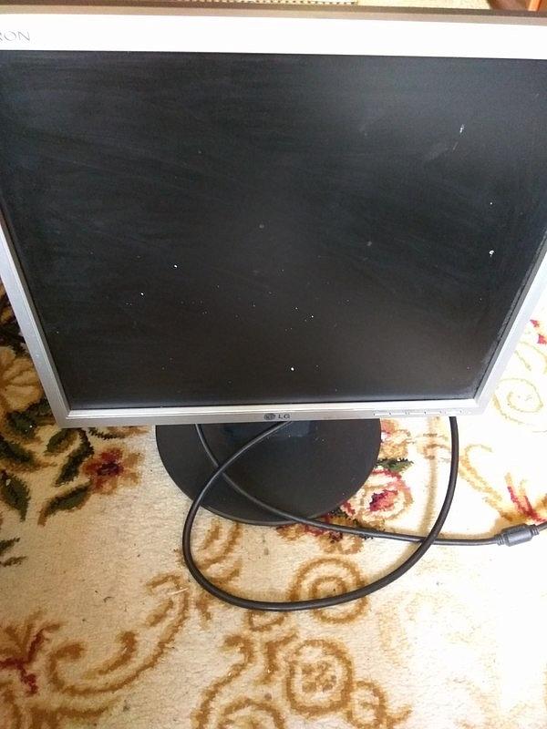 Продаю компьютер монитор Flatron 17, AMD Athlon 64 Processor 4000 2.41 ГГц, 51